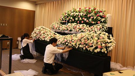 コムウェルの花祭壇の流れ01